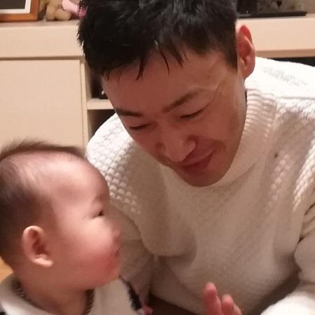 坂田先生の顔写真450